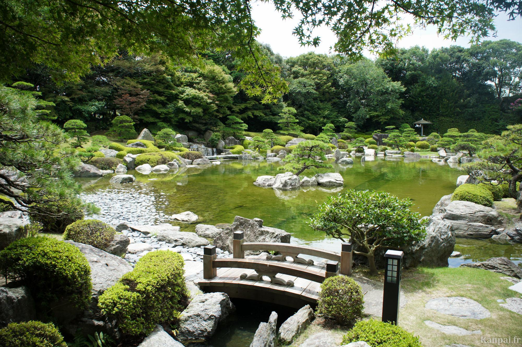 Design jardin japonais monaco 38 fort de france fort for Design jardin