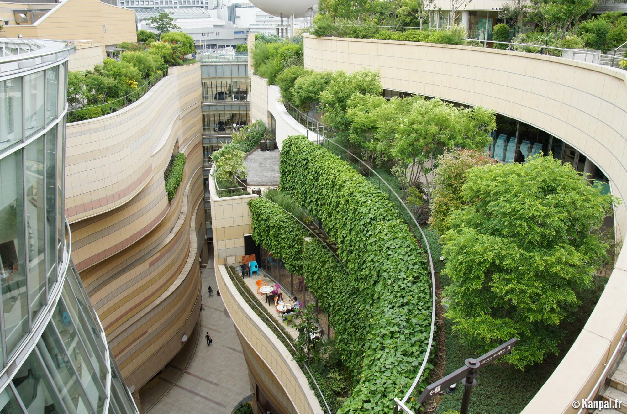 namba parks le centre commercial aux jardins suspendus. Black Bedroom Furniture Sets. Home Design Ideas