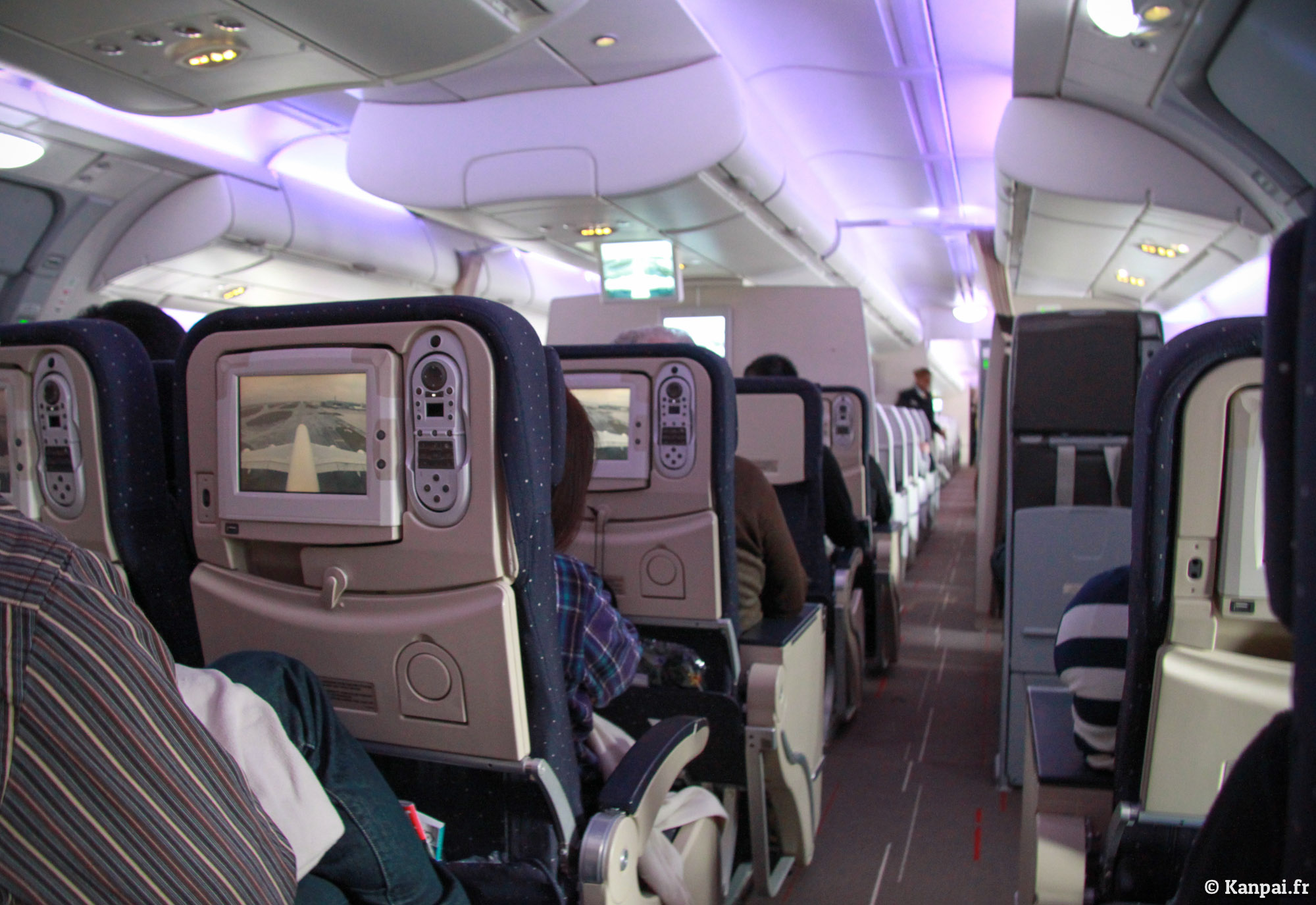 A380 compte rendu d 39 un paris tokyo for Interieur d un avion air france
