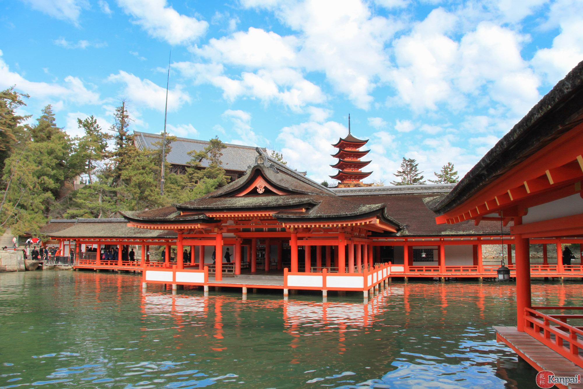 Itsukushima Jinja Le Grand Sanctuaire De Miyajima