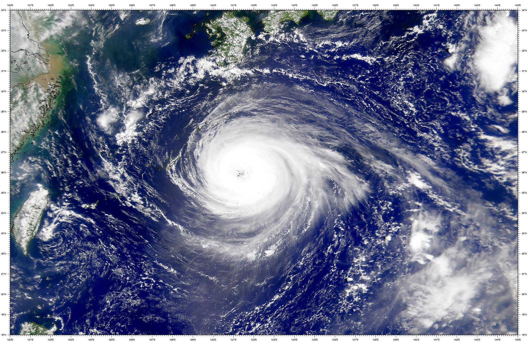 typhon japon